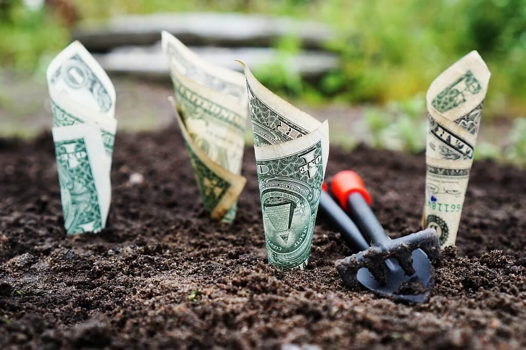 заработок за рубежом обычно достается нам в валюте...